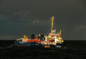Η Ιταλία δέχεται τώρα τους μετανάστες που βρίσκονται 2 εβδομάδες στη Μεσόγειο