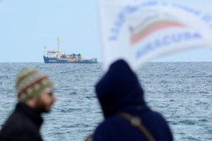 Σαλβίνι: Κλειστά τα ιταλικά λιμάνια για το πλοίο Sea Watch