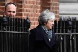 Brexit: Αντιμέτωπη με την μεγαλύτερη ήττα της η Τερέζα Μέι