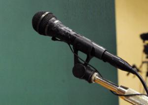 Βόλος: Ο γνωστός τραγουδιστής είχε κι άλλο σουξέ – Έβαζε χέρι στο χρηματοκιβώτιο του φίλου που τον φιλοξενούσε
