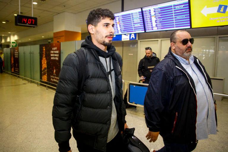 Ήρθε για τον Ολυμπιακό ο Ζιλ Ντίας! [pics]   Newsit.gr