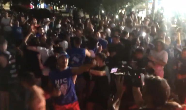 Ο Τσιτσιπάς τους… τρέλανε! «Όλη η Μελβούρνη είναι μπλε» – video
