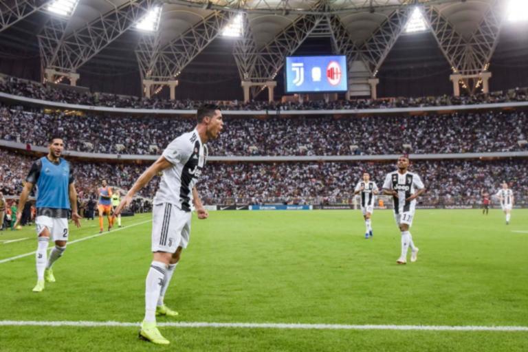 """Το """"κάρφωσε"""" ο Κριστιάνο Ρονάλντο! Η Γιουβέντους κατέκτησε το Super Cup Ιταλίας – video"""