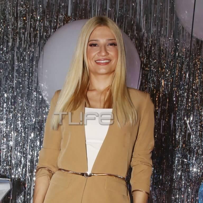 Φαίη Σκορδά: Chic εμφάνιση στο πάρτι του Ant1 για την κοπή της πρωτοχρονιάτικης πίτας! [pics] | Newsit.gr