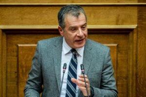 Θεοδωράκης: Ναι σε πρόταση μομφής κατά Τσίπρα – Ο πρωθυπουργός είναι αντίπαλός μου! – Video