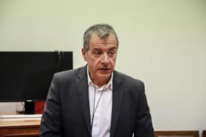 Θεοδωράκης: Όχι κομματική γραμμή για Πρέσπες – Πυξίδα μόνο το πατριωτικό καθήκον!