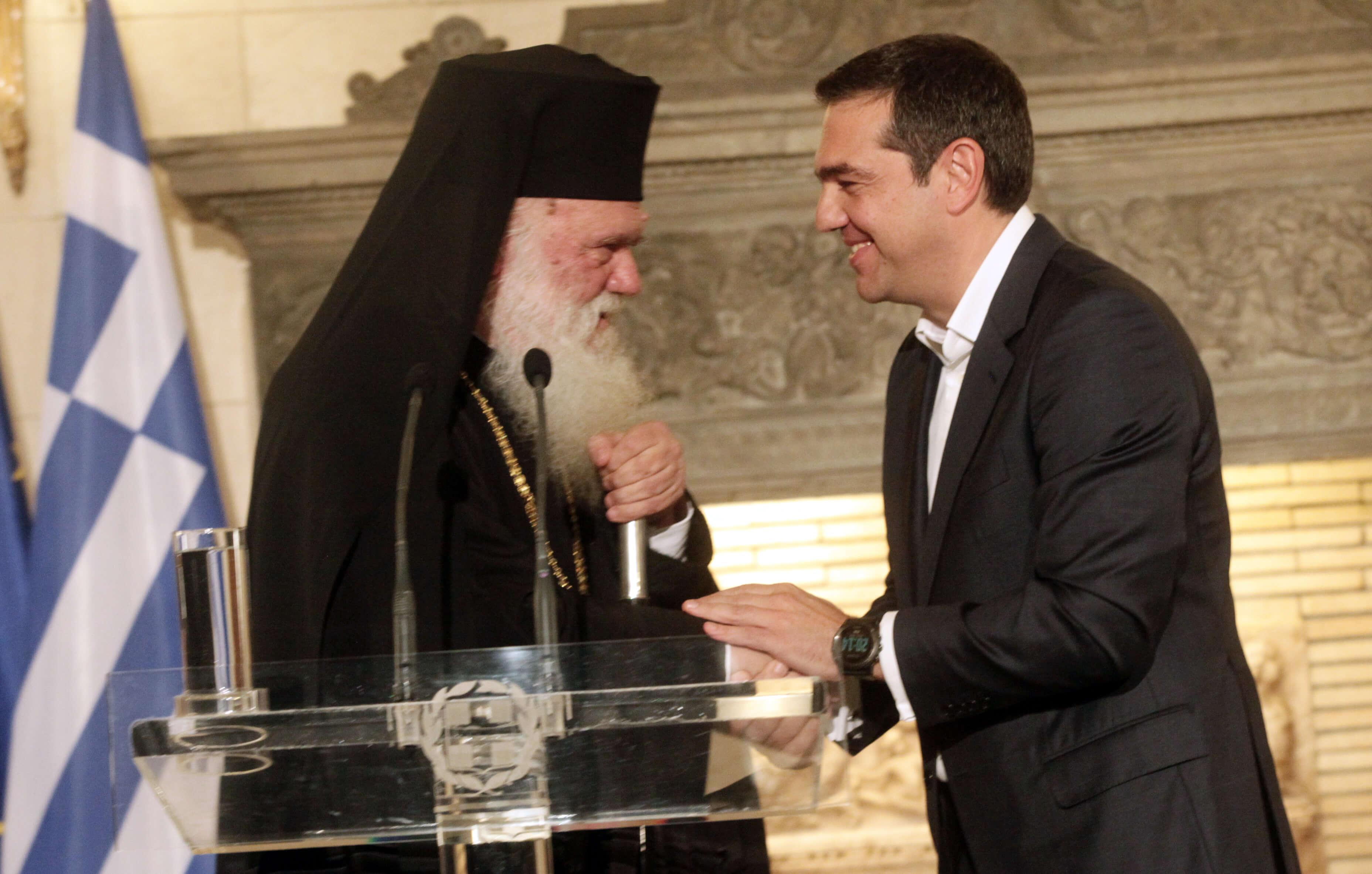 Διαψεύδει η Αρχιεπισκοπή επικοινωνία Τσίπρα – Ιερώνυμου για τις Πρέσπες
