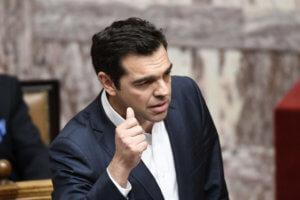 Προεκλογικό… debate Τσίπρα – Μητσοτάκη στη Βουλή – Τα… κουκιά που βγάζουν πλειοψηφία στη συμφωνία των Πρεσπών