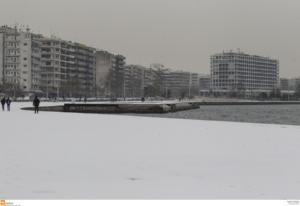 """Θεσσαλονίκη – Χιόνια: Το βίντεο του πιλότου που """"γκρεμίζει"""" το YouTube!"""