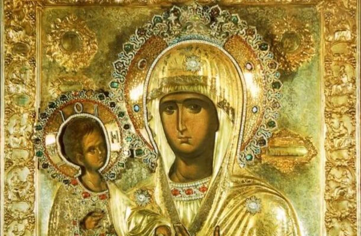 Η θαυμαστή εικόνα της Παναγίας με τα τρία χέρια! | Newsit.gr
