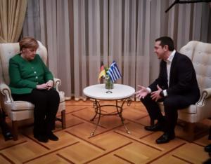 ΚΚΕ: Η Μέρκελ έσπευσε να στηρίξει τον Αλέξη Τσίπρα εν' όψει εκλογών