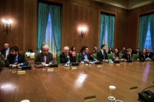 Σε εξέλιξη το «κλειστό» υπουργικό συμβούλιο