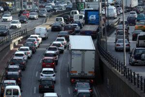 Βουλή: Κατατέθηκε το νομοσχέδιο για τις εξετάσεις οδήγησης – Τέλος στο «φρακάρισμα»