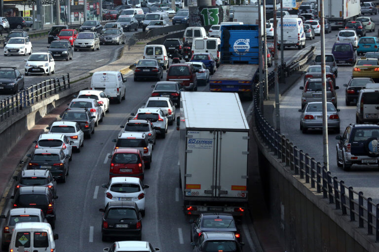 Βουλή: Κατατέθηκε το νομοσχέδιο για τις εξετάσεις οδήγησης – Τέλος στο «φρακάρισμα»   Newsit.gr