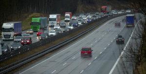 Γερμανία: Δεν θα μπει όριο ταχύτητας στους αυτοκινητόδρομους
