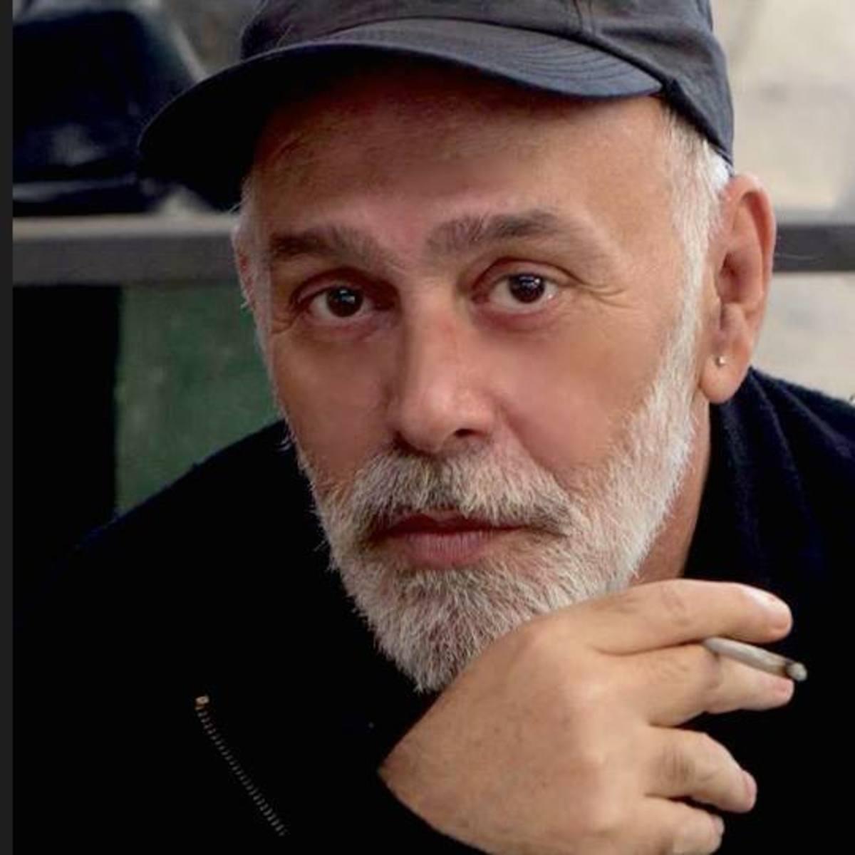 Πέθανε στα 56 του, ο συγγραφέας Χρήστος Αγγελάκος
