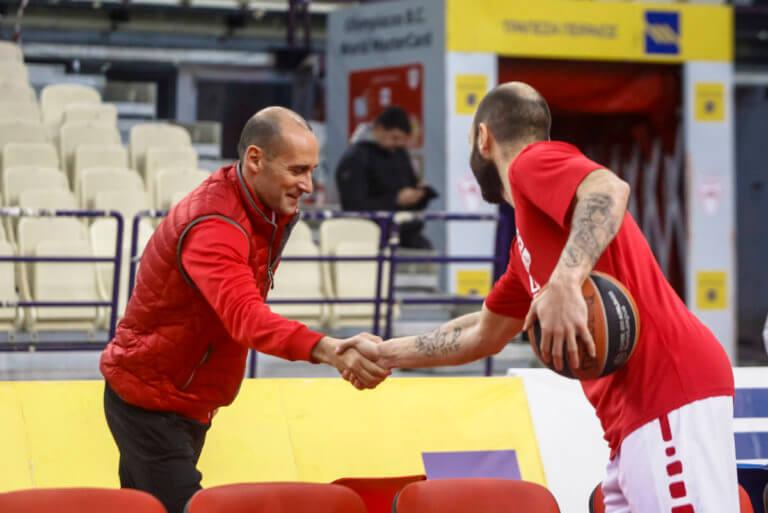 ΚΑΕ Ολυμπιακός: Ευχήθηκε τίτλους στον Παναγιώτη Αγγελόπουλο!   Newsit.gr