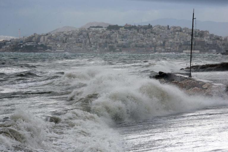 Καιρός: Απαγόρευση απόπλου από τα λιμάνια του Πειραιά, της Ραφήνας και του Λαυρίου! | Newsit.gr