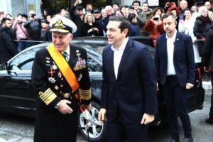 Αρχηγός ΓΕΕΘΑ ναύαρχος Αποστολάκης: Ποιος είναι ο νέος υπουργός Άμυνας