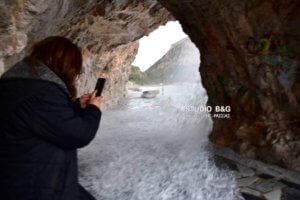 Αργολίδα: Η θάλασσα βγήκε στη στεριά [pics]