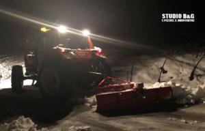 """Αργολίδα: Ολονύχτια """"μάχη"""" με τα χιόνια για να αποκατασταθεί η ηλεκτροδότηση [pics]"""