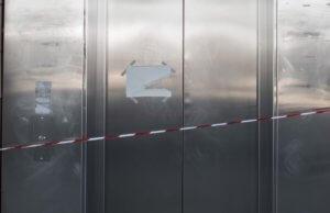 Χανιά: Κάλεσε το ασανσέρ και όταν άνοιξε την πόρτα βρέθηκε στο κενό – Το μεγάλο λάθος του!