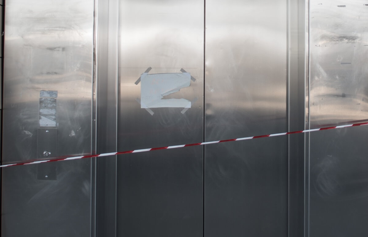 Πάτρα: Η μαύρη μέρα της έκρηξης βόμβας σε ασανσέρ με 6 νεκρούς – Τα στοιχεία της ανείπωτης τραγωδίας