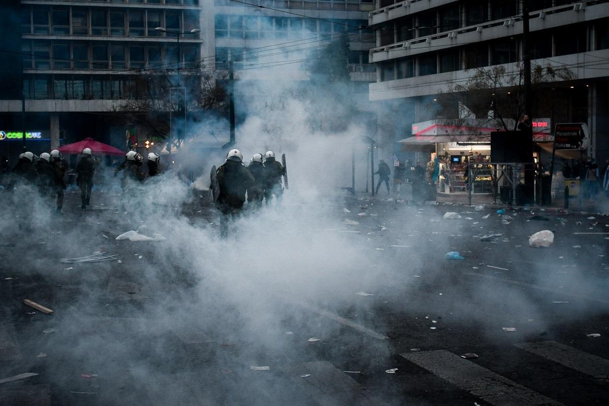 Συλλαλητήριο: 25 τραυματίες αστυνομικοί, προσαγωγές και συλλήψεις!