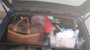 Θεσπρωτία: Της πέρασαν χειροπέδες μπροστά στα ανήλικα παιδιά της – Τι βρέθηκε μέσα στο αυτοκίνητο που οδηγούσε [pics]