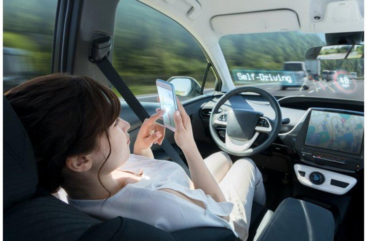 Ποιος θα πληρώνει τις ζημιές όταν επιτραπεί η αυτόνομη οδήγηση; | Newsit.gr