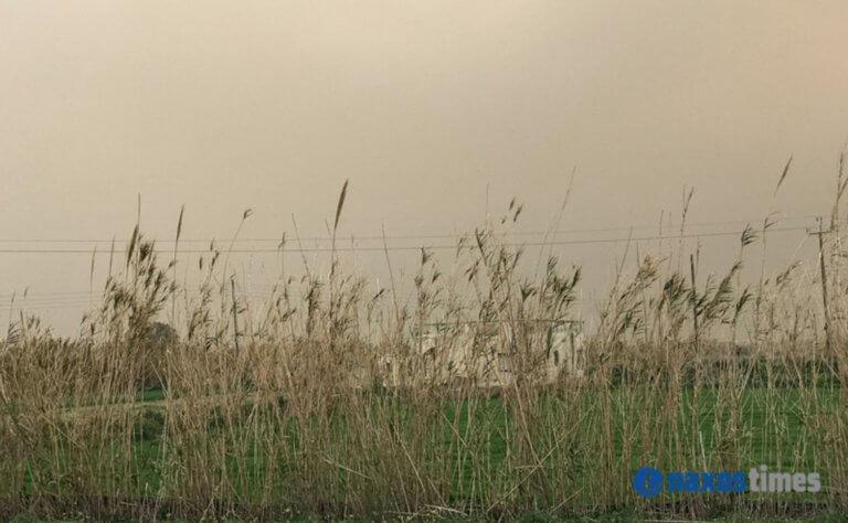 """Βροχή και σκόνη """"έπνιξαν"""" τη Νάξο – video"""