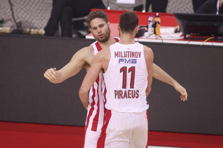 Ολυμπιακός – Παναθηναϊκός: Έβγαλε… silver alert για Μιλουτίνοφ ο Μπόγρης [pic]