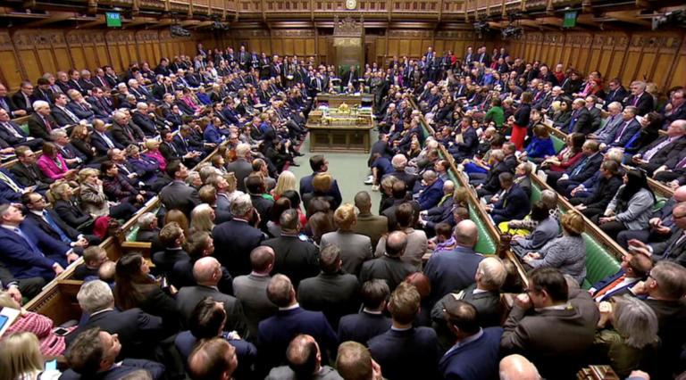 Βρετανία: Μέσα στην «θύελλα» του Brexit οι βουλευτές συζητούν για… το ύψος των γραμματοκιβωτίων!   Newsit.gr