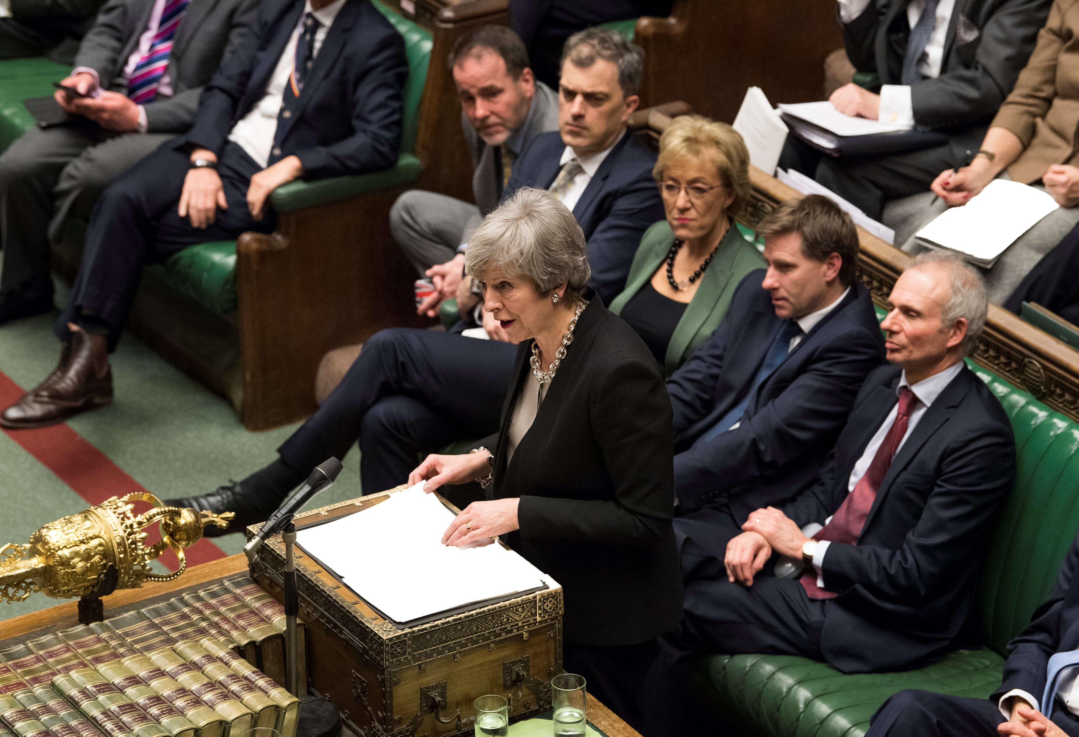 Brexit: Αποθεώνει την Τερέζα Μέι ο βρετανικός τύπος