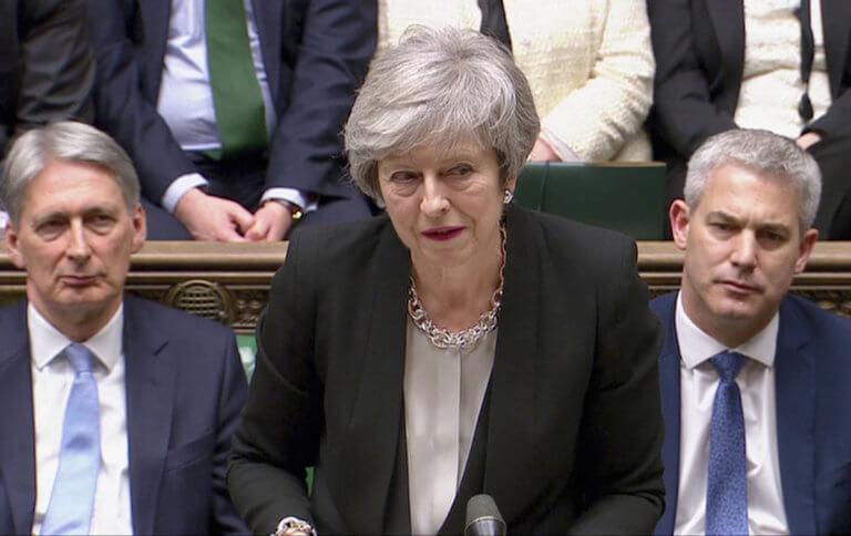 Brexit: Η πρώτη αντίδραση της Μέι μετά τις ραγδαίες εξελίξεις στο Κοινοβούλιο