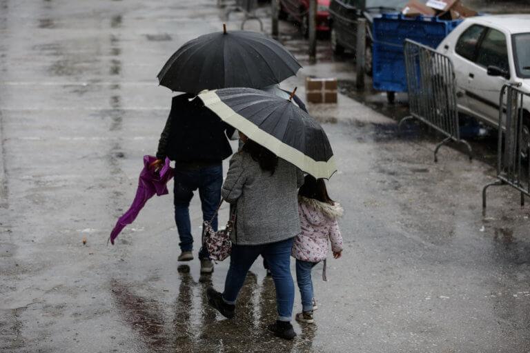 Καιρός: Βροχερό το σκηνικό σε όλη τη χώρα – Που θα χρειαστούμε ομπρέλες   Newsit.gr