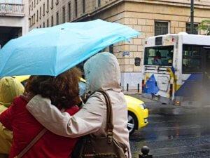 """Καιρός: Βροχές, καταιγίδες, χαλάζι το… μενού του """"Φοίβου""""!"""