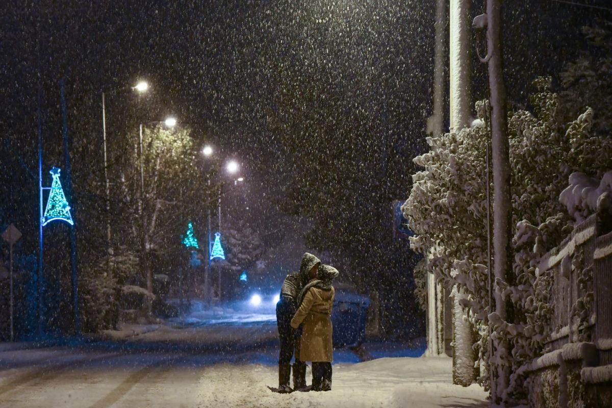 Έρωτας στα χιόνια | Newsit.gr