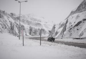 Προσοχή: Ποιοι δρόμοι είναι κλειστοί από τα χιόνια – Live Ενημέρωση