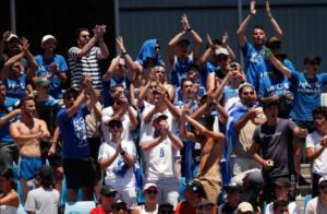 """""""Τρέλα"""" οι Έλληνες στην Αυστραλία! Πανηγύρι με… εθνικό ύμνο για Τσιτσιπά και Σάκκαρη – videos"""