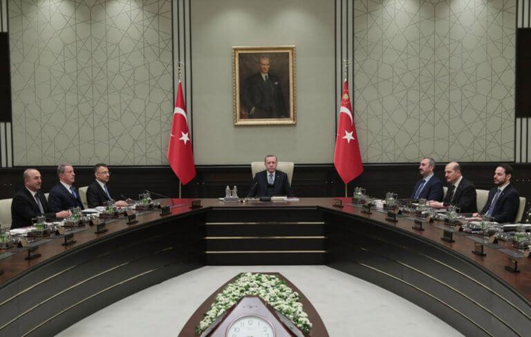 """""""Μήνυμα"""" Ερντογάν λίγο πριν το τετ α τετ με Τσίπρα: Εκδώστε τους """"8"""""""
