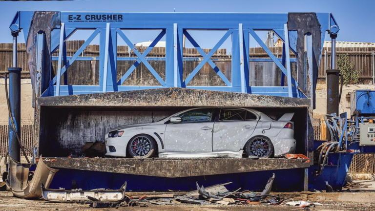 Στην πρέσα το τελευταίο καινούργιο Mitsubishi Evo! [vid] | Newsit.gr