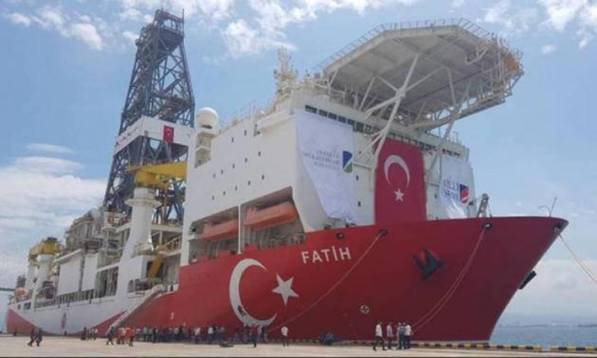 Οι Τούρκοι «βγάζουν» ξανά τον «Πορθητή» για νέες γεωτρήσεις – «Μήνυμα» Τσαβούσογλου και για το «Μπαρμπαρός | Newsit.gr