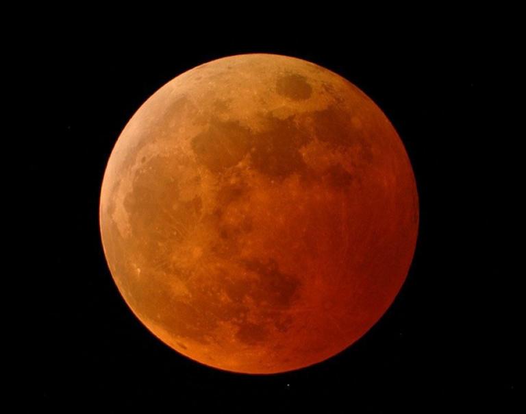 Πανσέληνος, υπερπανσέληνος και ολική έκλειψη Σελήνης τα χαράματα της Δευτέρας! | Newsit.gr
