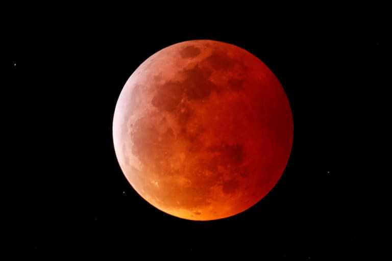 Ολική έκλειψη Σελήνης και πανσέληνος: Εικόνες που κόβουν την ανάσα! [pics] | Newsit.gr