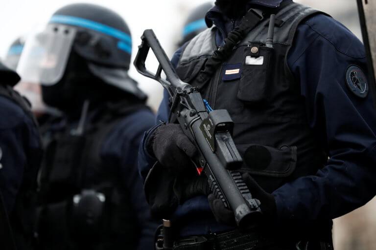Γαλλία: Φυλακή για αστυνομικούς που… βοήθησαν συνάδελφο που προκάλεσε τροχαίο