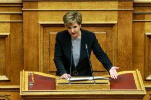 """Ποιο 151; Ολοένα και μεγαλύτερη κοινοβουλευτική στήριξη """"βλέπει"""" η Γεροβασίλη"""