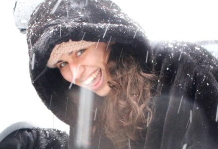 Καιρός: Η γυναίκα που έκλεψε την παράσταση στα χιόνια – Έτσι τους έβαλε τα γυαλιά – video