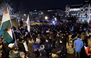 Ουγγαρία: Στους δρόμους κατά Όρμπαν για τα εργασιακά