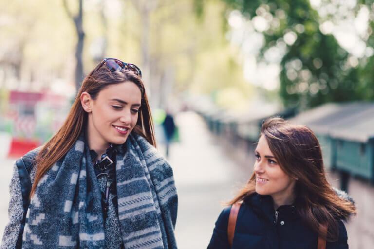 Οι ψηλές γυναίκες ζουν περισσότερο λένε οι επιστήμονες – Ποιο είναι το… όριο!